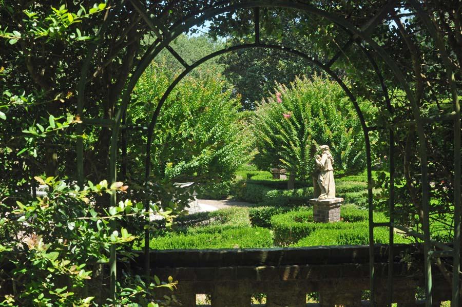 framed-sunken-garden