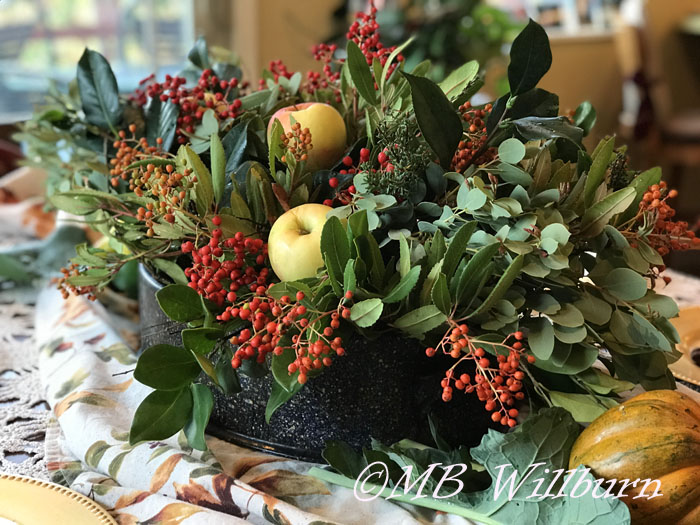 thanksgiving table arrangement, natural materials, decorating, thanksgiving