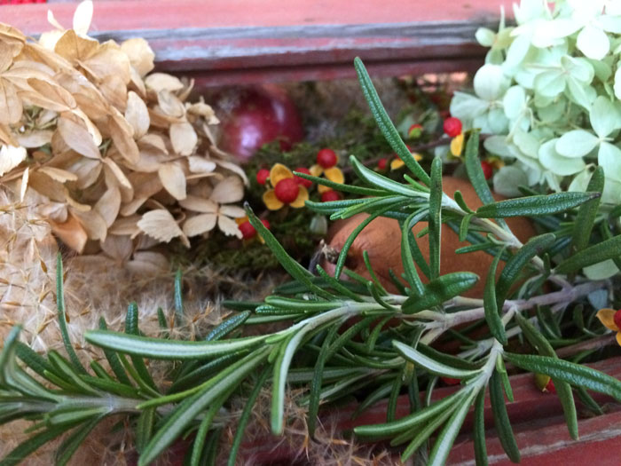 thanksgiving table decorations, natural materials, tablescapes