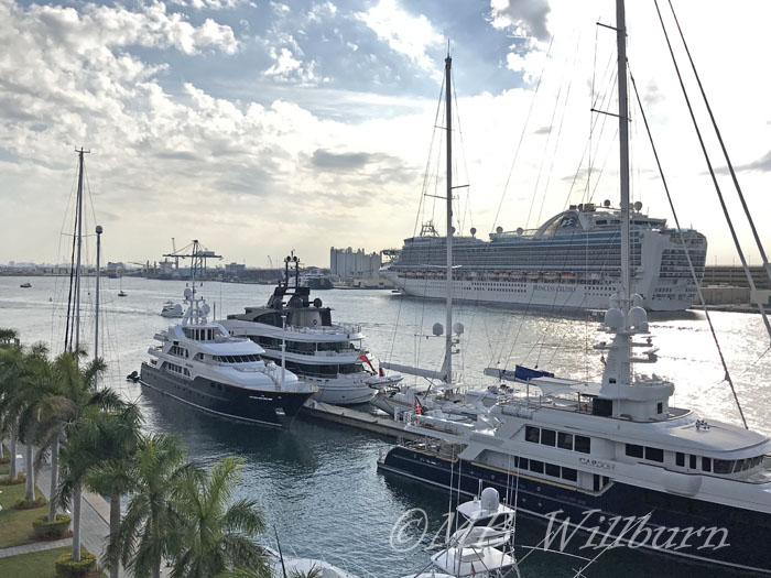 yachts in fort lauderdale harbor