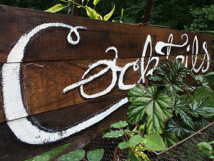rustic cocktails sign
